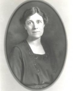 Schwarz-weiß Bild von Helen Bradford Thompson-Woolley in einem ovalen Rahmen