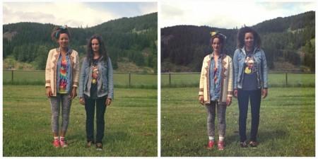 Zwei Bilder eines Paares. Im ersten Bild trägt eine junge Frau eine Schleife im Haar gemusterte Leggings und mehrere Blusen übereinander und eine zweite junge Frau schwarze Jeans und eine blaue Jeansjacke über einem bunten Shirt. Im zweiten Bild haben sie die Kleidung getauscht.