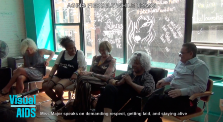 Screenshot der Diskussion AGING FIERCELY WHILE TRANS with Kate Bornstein, Sheila Cunningham, Miss Major, & Jay Toole, moderiert von Reina Gossett.