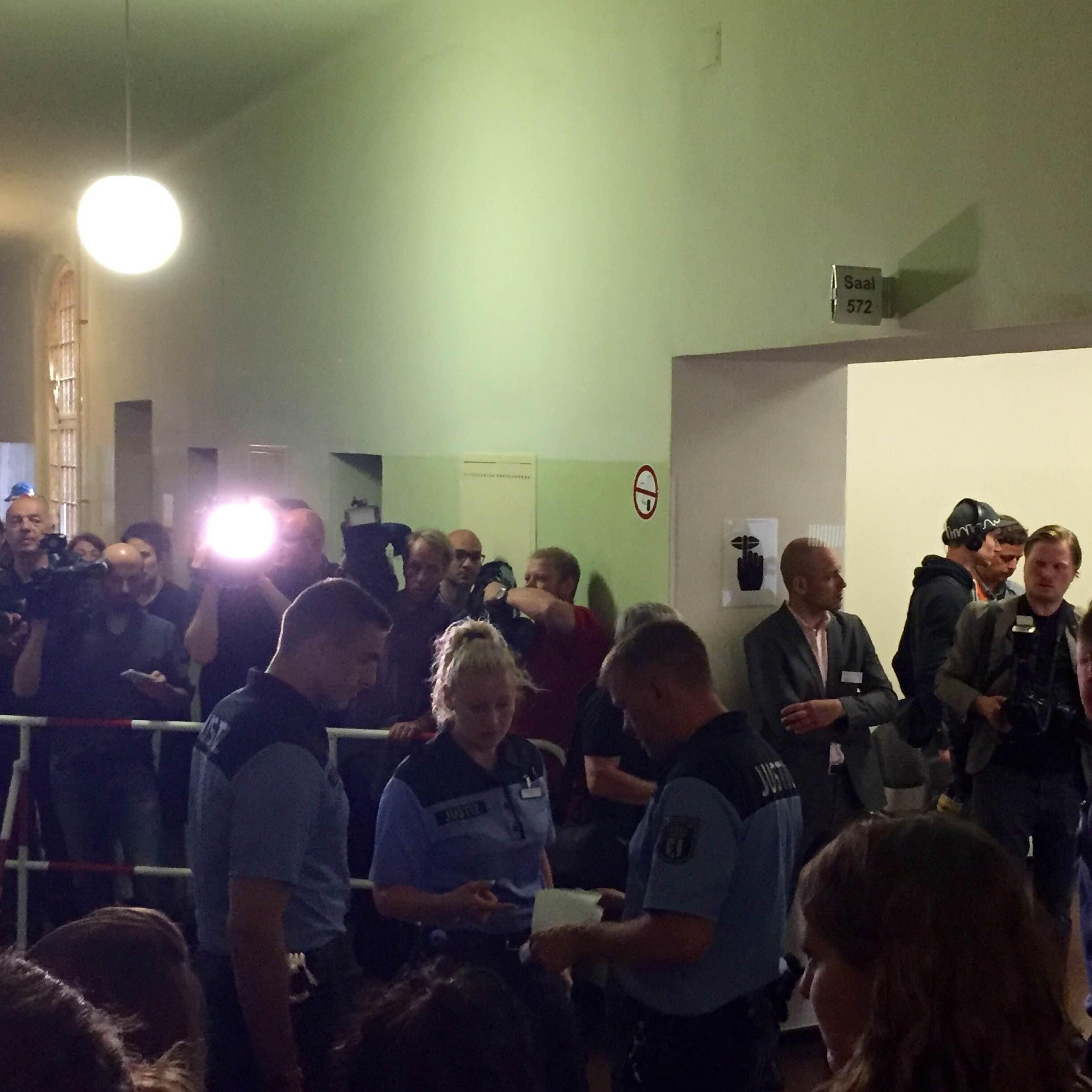 Im Amtsgericht Tiergarten kurz vor Prozessbeginn