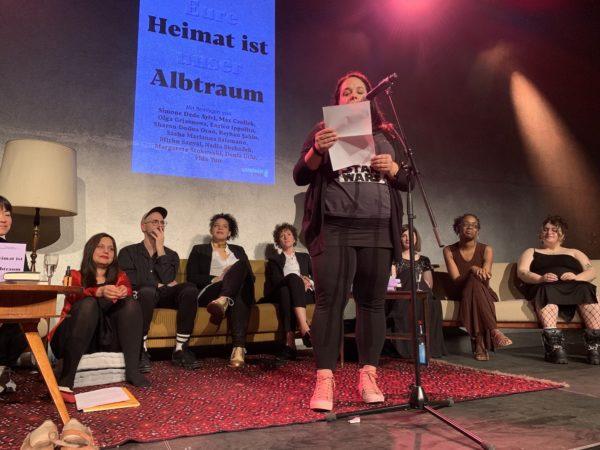 """Nadia Shehadeh bei der Lesung """"Eure Heimat ist unser Albtraum"""""""